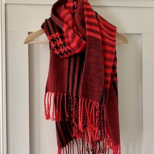Accessories - Red and black plaid scarf with fringe